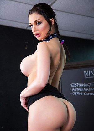 Huge ass big boobs