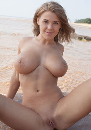 Images of Big Juggs Nude - Amateur Adult Gallery